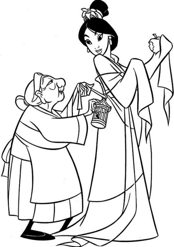 Grandmother Fa Helps Mulan Getting