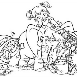 The Chipettes Taking An Elephant To Bath Coloring Page