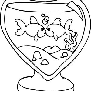 Kissing Fish In Heart Shaped Fish Tank Coloring Pages